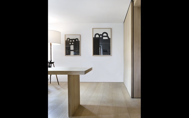 :: DETAILS :: Photo Credit: Privatbostad, SchweizDinesen Ek T 30 mm B 275 mm. Love the simple yet warm palette of white walls paired with the classic white oak floors, walls and furniture. Accent of black - delightful #details #whiteoak: Dinesen Eich, Dinesen Woods, Furniture T, Art, Inspirati Bvo, Architecture, White Oak Floors, Inspiration Projects, White Wall