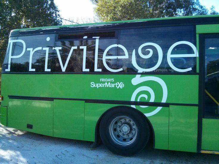 Chaque boîte de nuit a ses propres #bus ! Mais ceux-ci ne fonctionnent pas en hiver ! D'ailleurs le #Privilège est fermé...