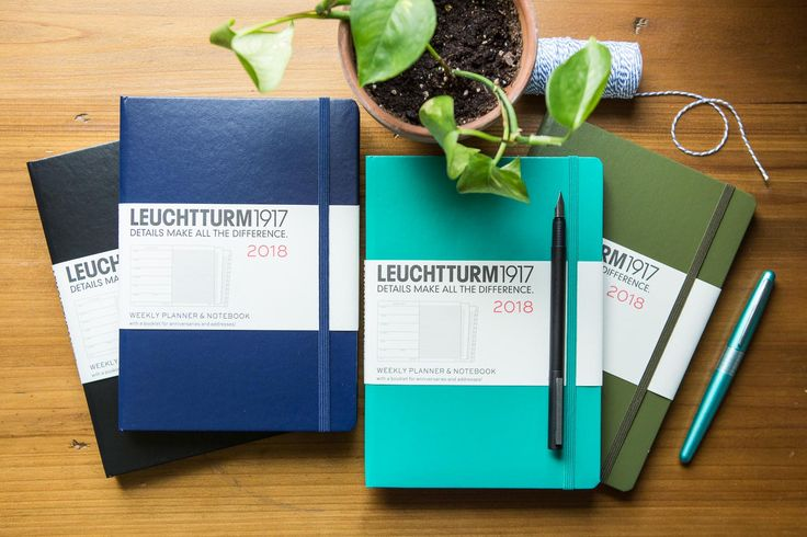 The 2018 Weekly Planner and Notebook has 7 days to a page and an alternate side ruled page for note taking. This green medium A5 notebook is equally suited for the desk and for use on the move. Contains 144 pages of 80g ivory paper, and runs from January 2018 through December 2018.<br><br><i>This item is on closeout and is thus ineligible for return. All sales are final.</i>