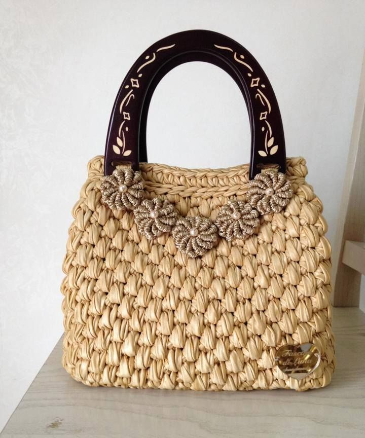 Inselly — Amazing crochet handbags from Italian designer...