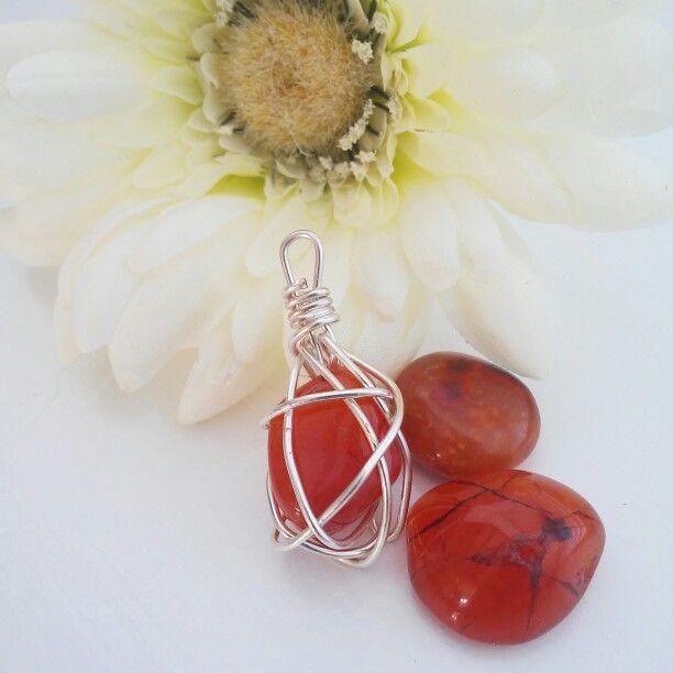 Edelsteen hangers Www.creativeartbyjessica.nl #edelstenen #edelsteenhangers #zilver #sieraden #hangers #handmade #cadeau #gemstones