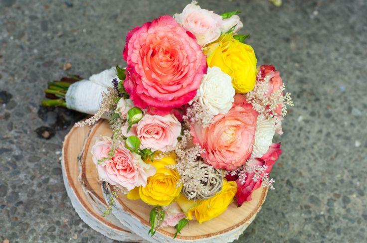 roses wedding bouquet - buchet mireasa trandafiri (www.maya-flowers.blogspot.ro)
