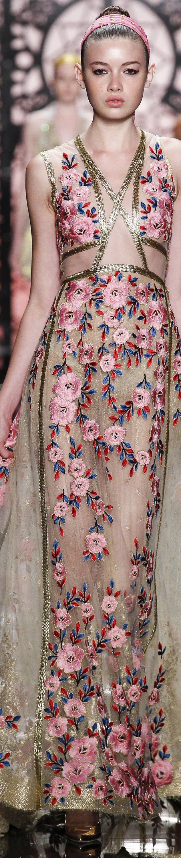 Reem Acra Spring 2016 RTW .... loving the texture and print on this dress.