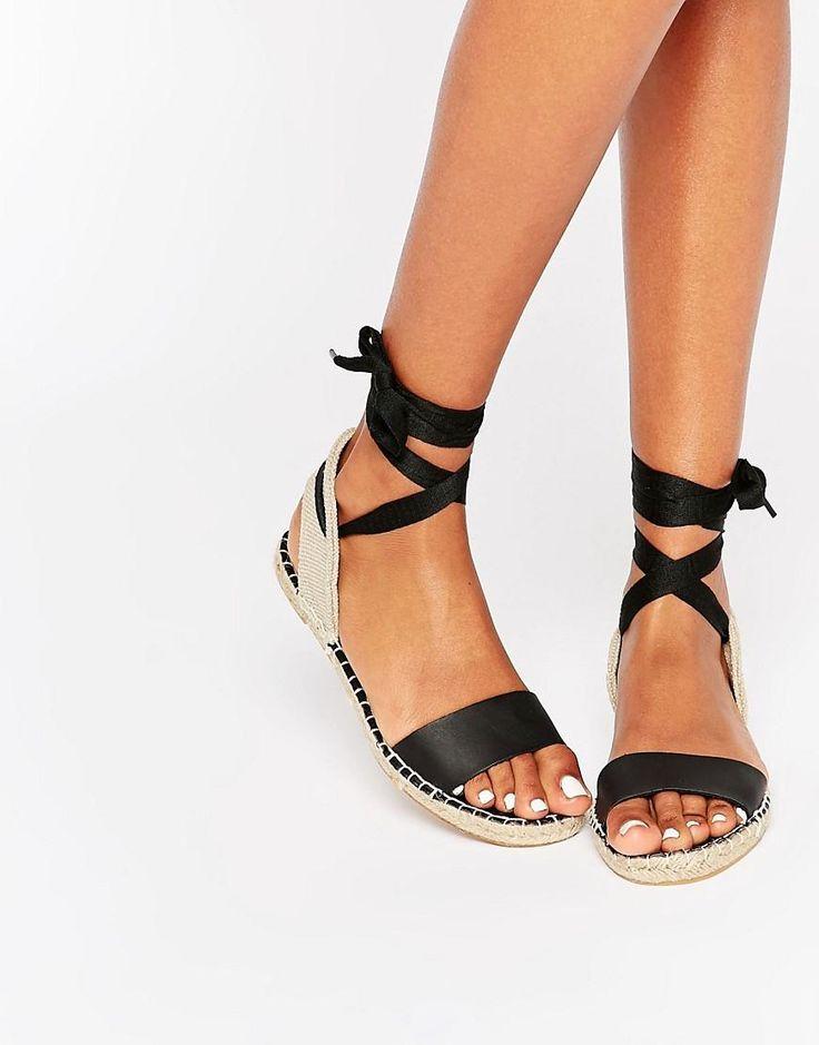 New Look | New Look - Sandales plates style espadrilles à lacets chez ASOS