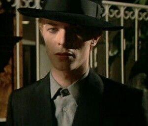 David bowie .Aka Thomas Jerome Newton.