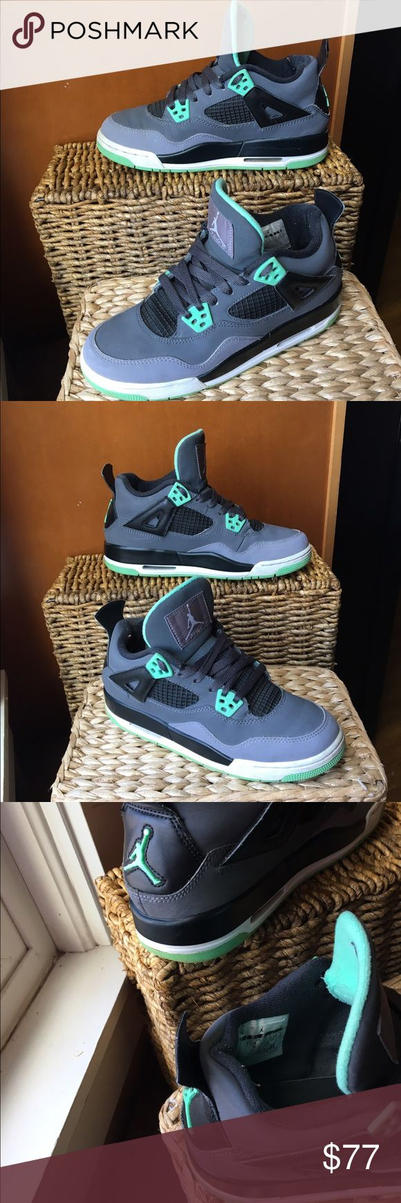 "Air Jordan 4 Retro Green Glow size 5Y NIKE AIR JORDAN 4 RETRO (GS) ""GREEN GLOW"" drk grey, grn glw-cmnt gry-blck 