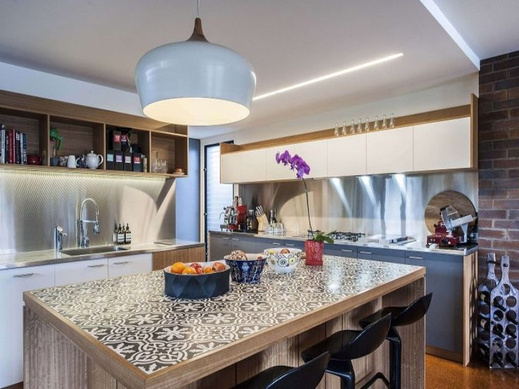 Beautiful Tiled Benchtop Retro Kitchen Kitchen Beach