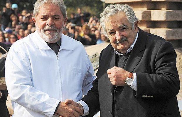 En un acto con Mujica, Lula rompe el silencio y anuncia retorno a la política http://www.republica.com.uy/en-un-acto-con-mujica/534432/…