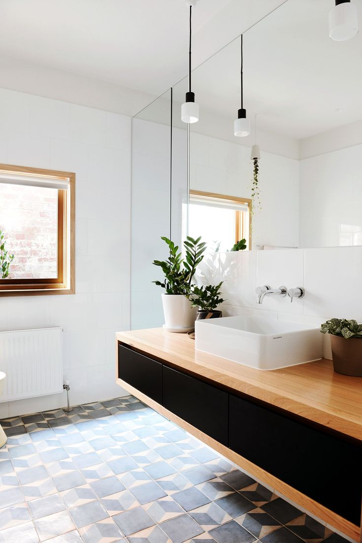 Bathroom from creative renovation of historic Melbourne home. Photography: Lauren Bamford