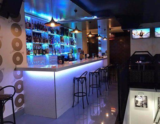#Alquiler de #madrid  copas en #Moncloa #Madrid Centro   Samana Pub & Gin  Se alquila magnífico local para fiestas privadas, en el corazón de Madrid al lado de  plaza de España.  Precio a consultar por noche, varía en función de días y barra libre.