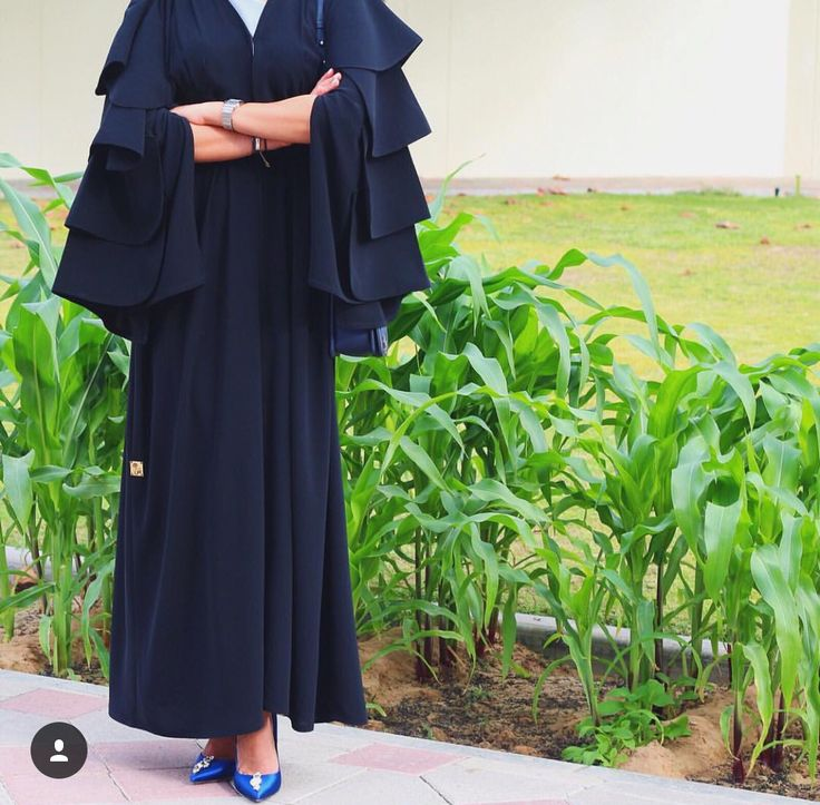 Gorgeous layers sleeves abaya