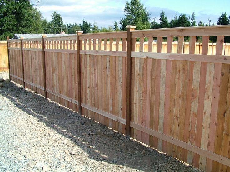 inexpensive alternative design for craftsman style privacy fence - Fence Design Ideas
