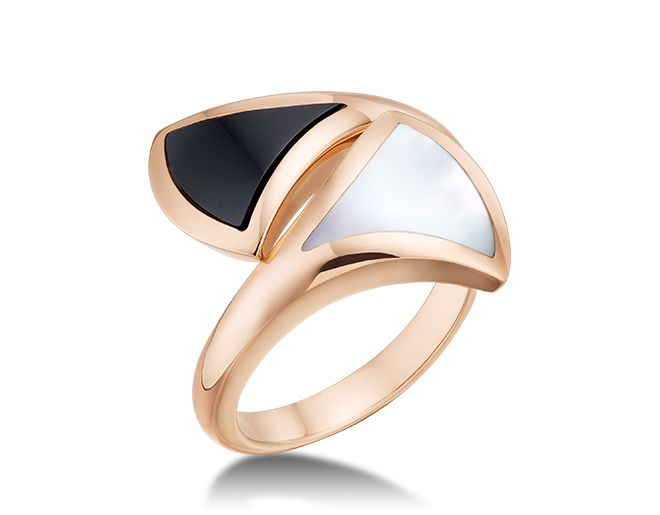 diva ring in 18 kt pink gold ring with black onyx and mother of pearl