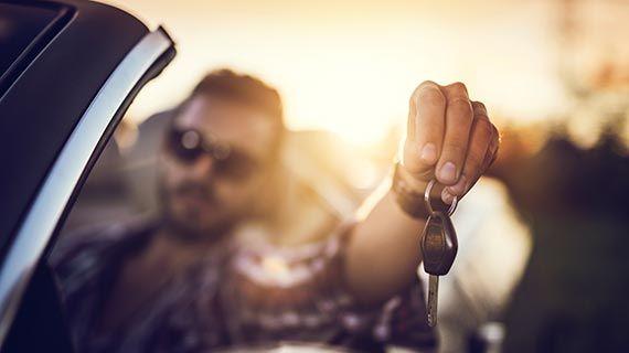 A aplicação disponibiliza viaturas para aluguer num período mínimo de duas horas e máximo de sete dias