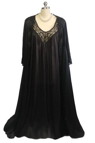 e2daee32223 GLAMOROUS VINTAGE BLACK LACE PEIGNOIR WITH HUGE ANGEL SLEEVES   NIGHTGOWN