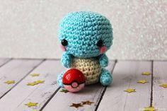 """Squirtle Amigurumi de Pokemon - Patrón Gratis en Español - Versión en PDF click """"¡¡¡DESCARGAR PATRÓN!!!"""" aquí: http://www.mummyandannie.com/2015/03/patron-squirtle-amigurumi-gratis.html"""