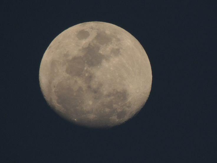 La luna vista desde el bello municipio del cacique Pimaná.