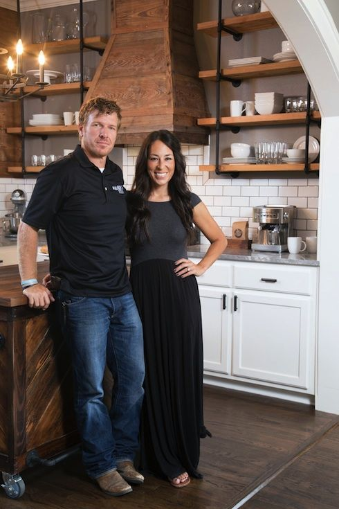 (RELATED–How much would it cost to decorate your house like aFixer Upper reveal?) HGTV has got a huge hit on its hands with the Texas-based Fixer Upper–and it's not hard to see why. The ende…