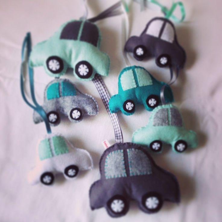 Mint and grey felt cars for baby mobile mintgroen vilt auto babymobiel
