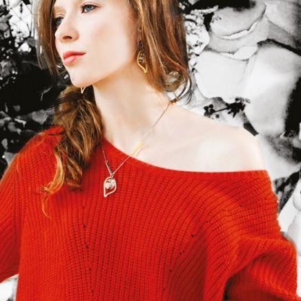 Anne-Marie Chagnon Collection 2015  Printemps-Été Collier: ÉLISE - clair Boucles d'oreilles: MICHELLE- clair --------------------------- 2015 Spring-Summer Collection  Necklace: ÉLISE - clear Earrings: MICHELLE- clear