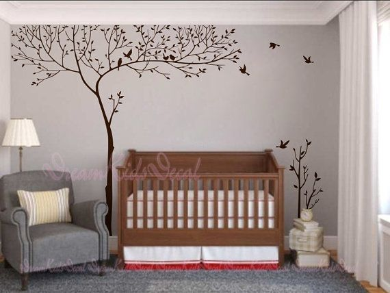 Sticker mural de décalque arbre parfait pour votre pépinière ou chambre denfant !  TAILLE : Le grand arbre mesure environ 265 cm largeur sur 250cm