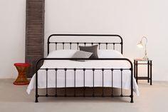 Betten - Eisenbett / Metallbett Ellis, inkl. Lattenrost - ein Designerstück von Eisenbetten bei DaWanda