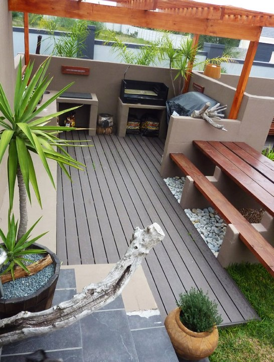 Braai area design, bench with permanent concrete legs and simple planks