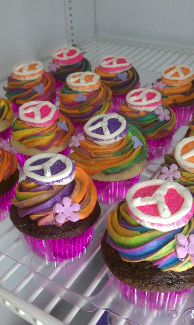Peace Cupcakes  by Moon Wink Bakery, via Flickr