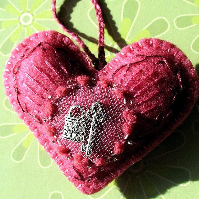 Corazon, heart love the mesh insert