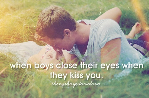better not kiss with their eyes open! weirdddSweets Couples, Romances, American Life, Boys, Picnics, Kisses You, Summer Love, Photography People, Bruno Mars