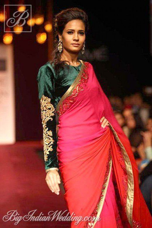 This green velvet full-sleeve saree blouse looks baggy and unappealing.
