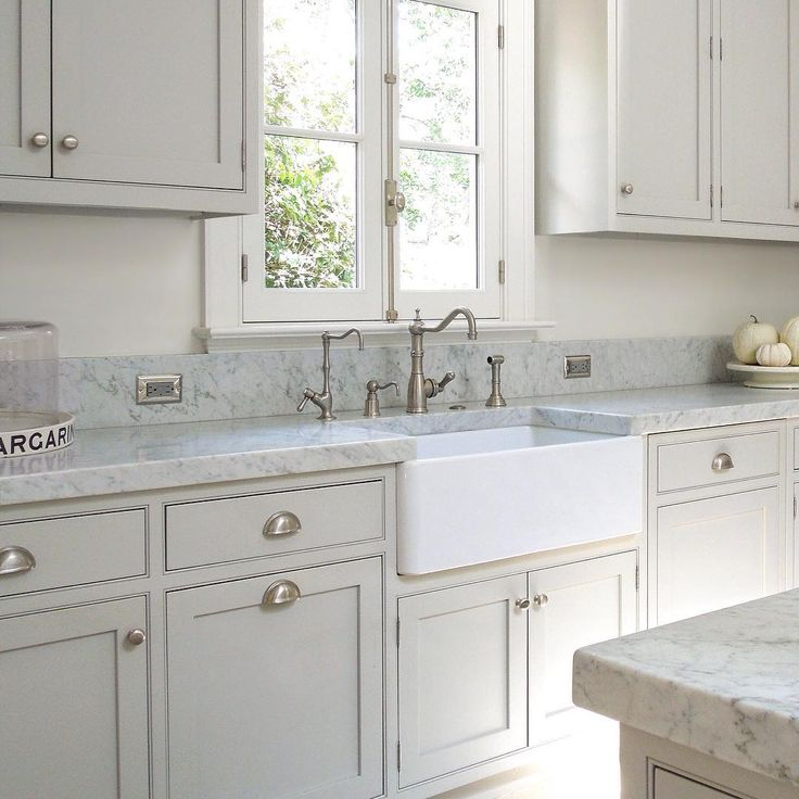 Benjamin Moore Antique White Kitchen Cabinets: 697 Best Kitchen Images On Pinterest