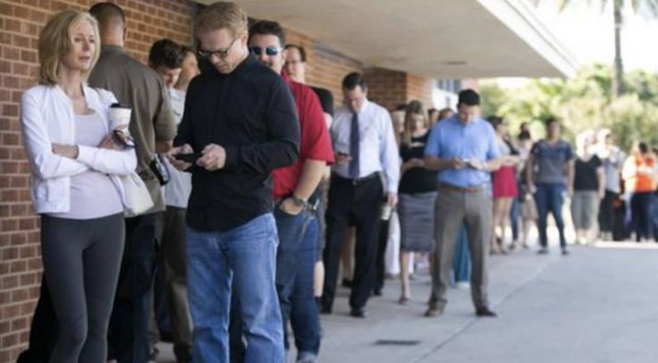 Something Is Going Seriously Wrong at Arizona Polls Today-----Lawyers are officially making an inquiry after multiple Democratic voters showed up to Arizona polls only to find that they were listed as independents.