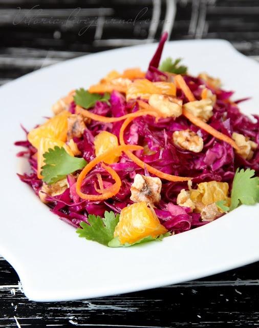 Сладкий мир - Салат из красной капусты с мандаринами и закуски с свеклой