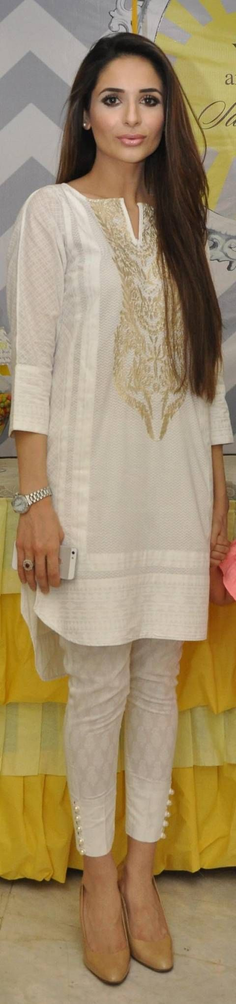 THIS WEEKS BEST DRESSED: 5th JUNE - Dee comments: nice white Salwar Kameez suit, but where is the Dupatta to match?