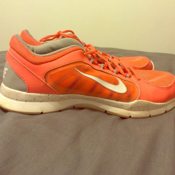 Nike training shoes Cute Nike training shoes! I wore them once to a marathon I did not run. I wore it with a peach hoodie (available in my closet) size 10. Nike Shoes Athletic Shoes