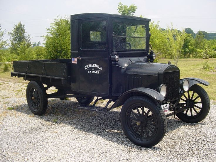 Model T Ford 1926. Maintenance of old vehicles: the material for new cogs/casters could be cast polyamide which I (Cast polyamide) can produce
