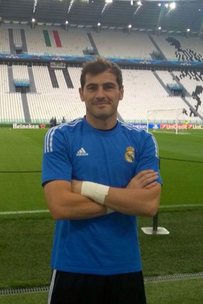 Según una encuesta, Iker Casillas es el jugador de la Eurocopa  2016 más sexy. ¿Quieres saber más resultados de este estudio?  #Modalia | http://www.modalia.es/celebrities/11408-iker-casillas-jugador-sexy-eurocopa.html #ikercasillas #meetic #encuesta