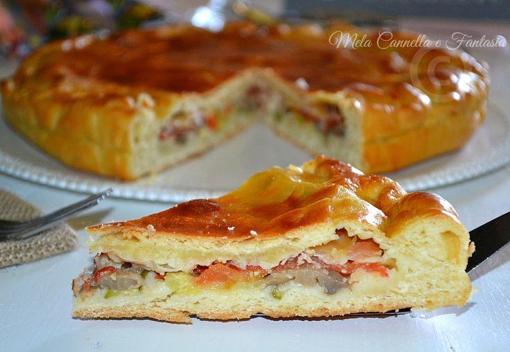 Torta rustica realizzata con impasto lievitato e farcita con stracchino, speck e verdure... Una vera bontà!