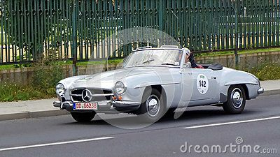 Mercedes-Benz 190 SL 1962 - Download From Over 31 Million High Quality Stock Photos, Images, Vectors. Sign up for FREE today. Image: 44081105