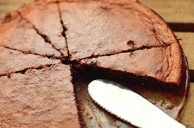 Gluten free Chocolate Orange Torte by Simply Vintagegirl, via Flickr: Chocolate Orange, Flour Chocolates, Chocolates Chips, Almonds Flour, Chocolates Torte, Orange Torte, Free Chocolates, Orange Chocolates, Chocolates Orange