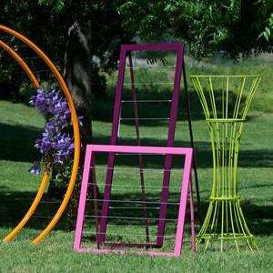 Cool assortment of trellises.: Gardens Ideas, Modern Gardens, Diy Gardens, Gardens Decor, Trellis Awesome, Gardens Trellis, Gardens Yard, Gardens Outdoor, Gardens Unique Ideas