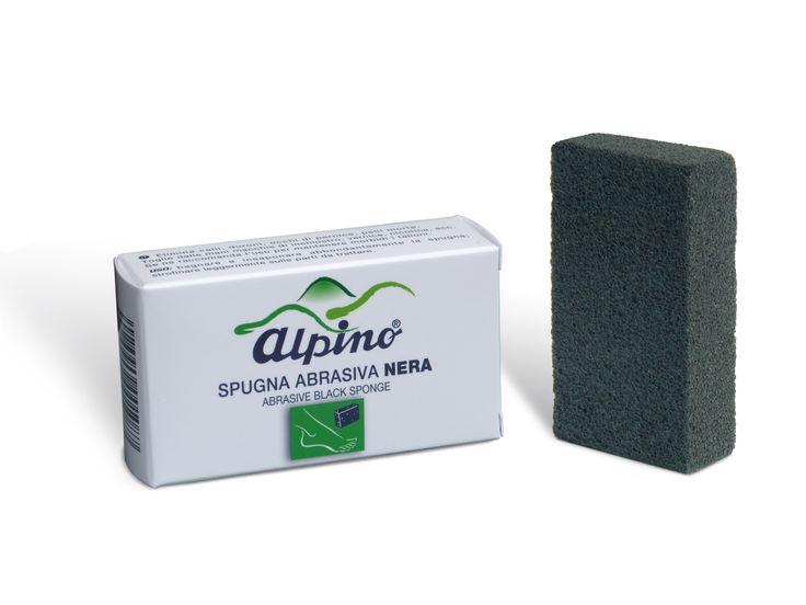 Spugna Nera. Elimina senza irritare, la pelle indurita dei talloni e altre callosità. Indicata anche per eliminare le macchie di nicotina, vernice, inchiostro.
