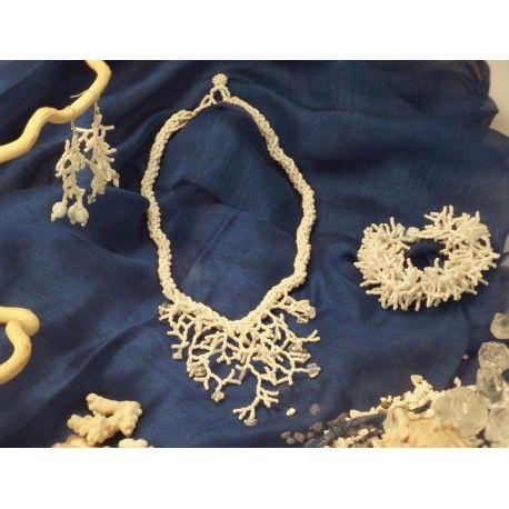 http://shop.labellafigura.cz/cs/koralove-utesy/9-koralove-utesy-001.html  Korálové útesy 001 - 21,69 €