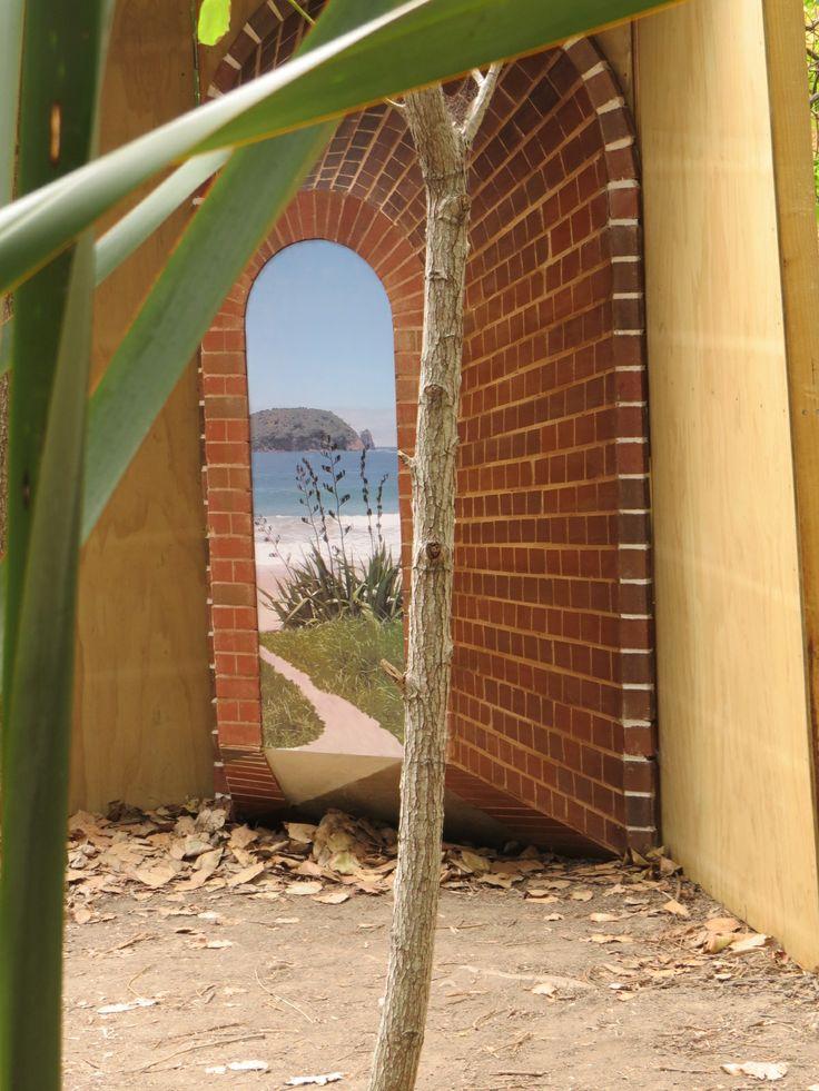 ArtExplore  Peter Lange  Installation Headlands Exhib.