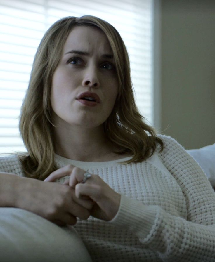Dominique McElligott as Hannah Conway on House of Cards