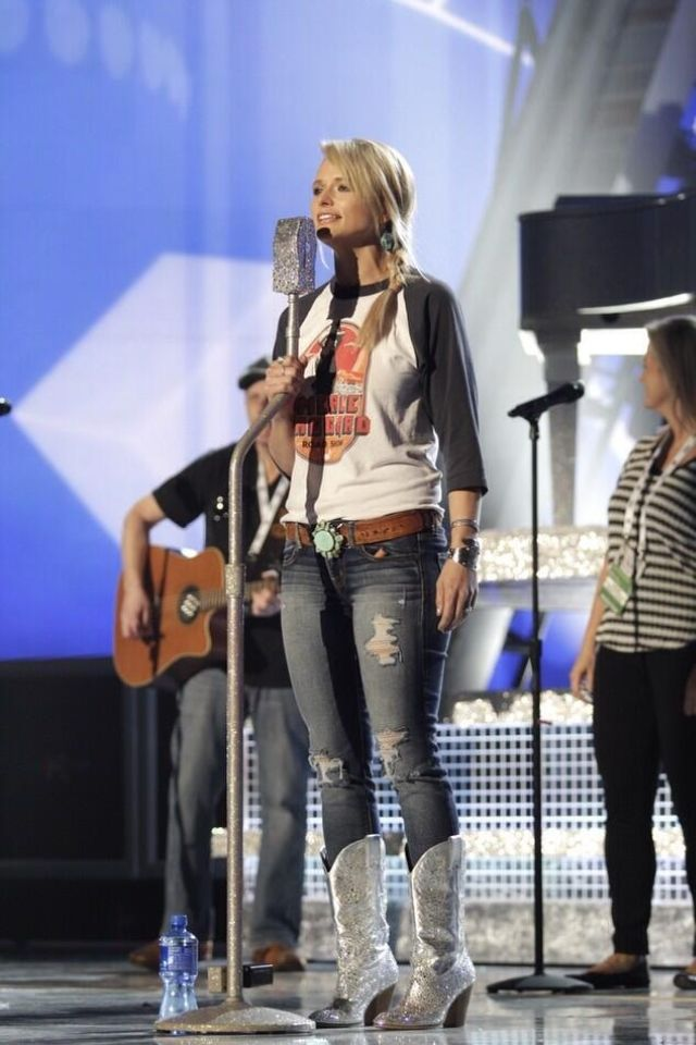 Miranda <3 I love her outfit!