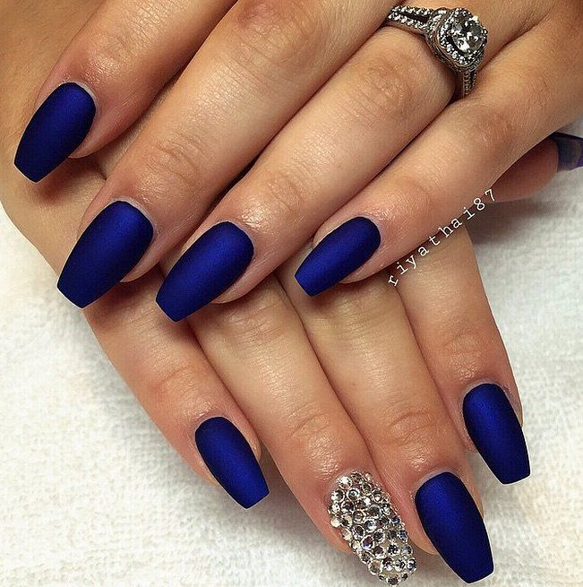 White And Blue Nail Ideas For Prom: Diseños De Uñas