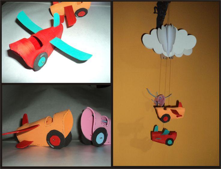 Móvil de Tutorial de Artesanía con nube y aviones