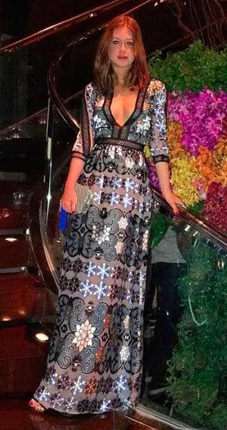 Look da Marina Ruy Barbosa na Tailândia, viagem com namorado Xandinho Negrão, vestido estampado